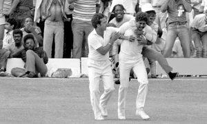 Kapil Dev takes out Viv Richard with one tough catch